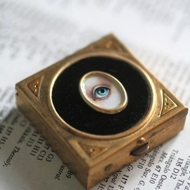 Lover's Eye - Victorian Mourning Snuff Box - Pill Box  - original painting by Mab Graves
