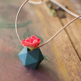 wearableplanter - Miniature Icosahedron in Aqua: A Wearable Planter