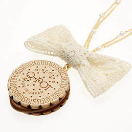 Q-pot. - Round Milk Biscuit Necklace Lace Ribbon
