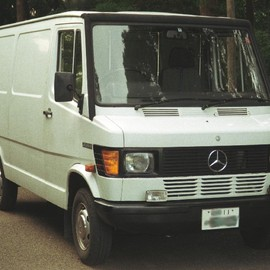 Mercedes-Benz - TRANSPORTER 208D