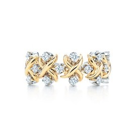 Tiffany & Co. - Jean Schlumberger Lynn ring in 18k gold with diamonds in platinum.