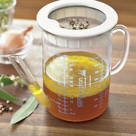 Williams Sonoma - Gravy Separator