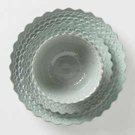 Anthropologie - Piecrust Dinner Plate