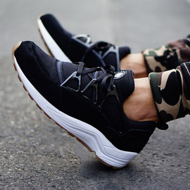 "Nike - NIKE AIR HUARACHE LIGHT ""BLACK/GUM"""