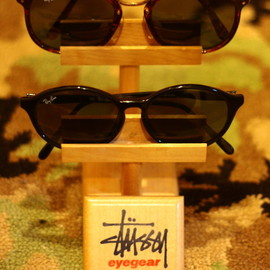 STUSSY - Glasses Stand