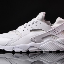 "Nike - Nike Air Huarache ""All White"""