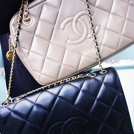 CHANEL - Bag/black&white