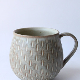mayumiYceramics - pale brown cup with carved line