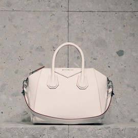 GIVENCHY - SS2014 Medium Antigona Bag