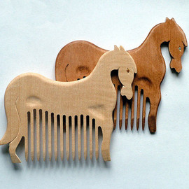 ArtGiftStore - Wooden Comb Horse Hand Carved Natural. Only light brown.  Head Handle - Ready to Ship
