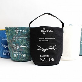 PASS THE BATON - PASS THE BATON × Christian Fischbacher バケットtote