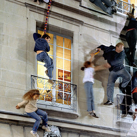 Leandro Erlich - Anyone Can Scale This Building