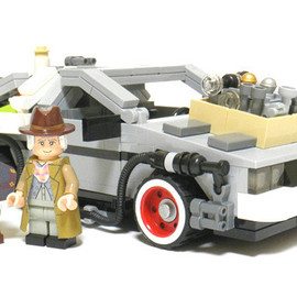 LEGO - Back to the Future  - DeLorean Time Machine
