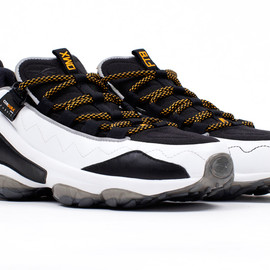 Reebok, Business As Usual - DMX Run 10|15