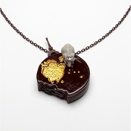 N2 - CUNCHED PIECE OF CHOCOLATE AND SMALL CHERRIES NECKLACE