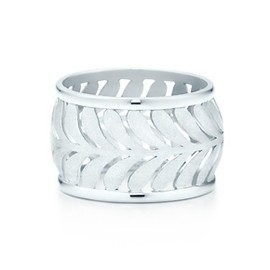 Tiffany & Co. - Paloma's silver ring