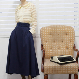 THE WHITEPEPPER - Frill Collar Shirt Ivory+navy long skirt