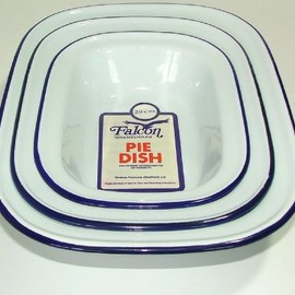falcon - Traditional Pie Dish Set, Classic Enamel White with Blue Rolled Rims