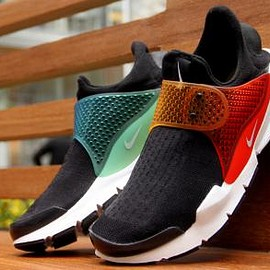 NIKELAB - NIKELAB SOCK DART SP BLACK/MULTI-COLOR