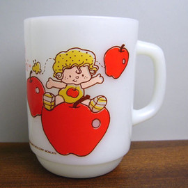 Fire King - Strawberry Shortcake Apple Dumpling mug cup