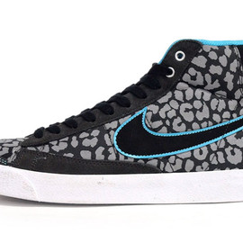 NIKE - BLAZER MID 77 PREMIUM 「LIMITED EDITION for ICONS LIMITED」
