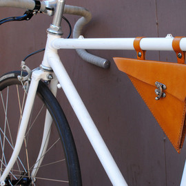 BiciCouture - Leather Bicycle Bag - Triangle