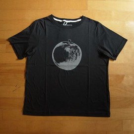 superNova. - Apple Printed Tee