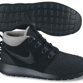 Nike - Roshe Run Mid Winter - Black/Black/Dark Grey