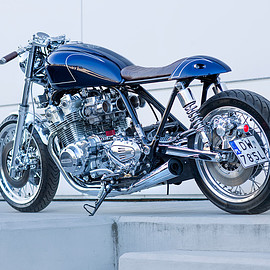 HONDA - CB900C cafe racer Ten-speed by Unikat