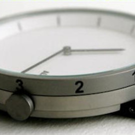 Table Clock (designed by Pio Manzu)