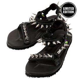 Suicoke - is-ness Studded sandals
