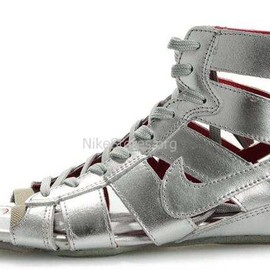 NIKE - Nike Gladiator Metallic Silver White Mid Sandals