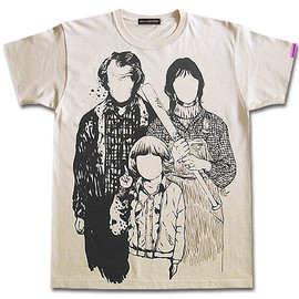 "JETLINK, ROKIUNIFORMS - 映画『シャイニング』""THE FAMILY"" Trinity Tシャツ"