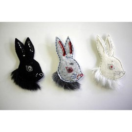 R in my head - Rabbit brooch