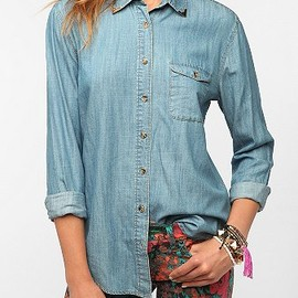 URBAN OUTFITTERS - BDG Western Tip Chambray Shirt