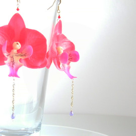 Ostara - Silk Red Phalaenopsis,Real Pearl Earrings/16k Gold Plated Ear Wire