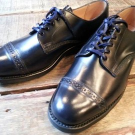 Sanders - Punched Cap Military Derby Shoe