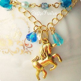 Luulla - I was dreaming about Wonderland - 'Treasures' collection, Fairytale unicorn bracelet, vintage style jewelry, in blue