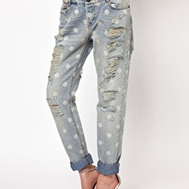 asos - Slim Boyfriend Jeans in Distressed Spot Print