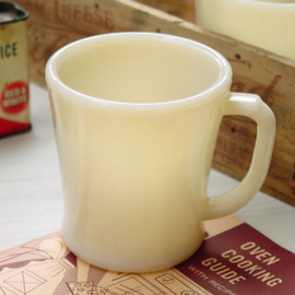 Fire King - Ivory Flat Bottom Dhandle Mug Rare Logo