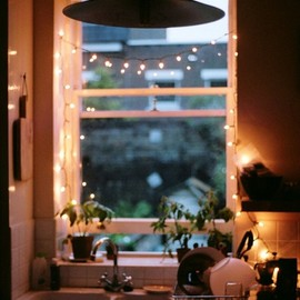 myidealhome:fairylights are too cozy