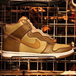 Nike - DUNK HIGH MAPLE