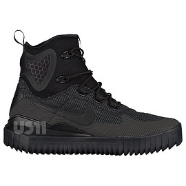 NIKE - Air Wild Mid - Black/Black