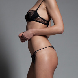 "Kiki de Montparnasse - Black ""Enchanté"" thong & bra for Arrow"