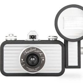 Lomography - La Sardina Camera & Flash - Splendour