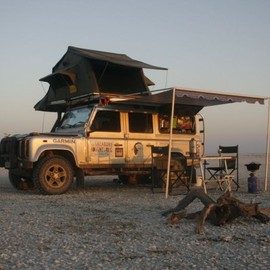 Rand Rover - Deffender camping