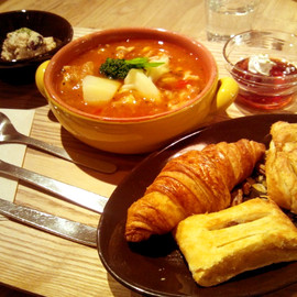 eat more SOUP & BREAD(新宿)