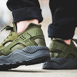 NIKE - Air Huarache Run SE - Legion Green/Legion Green/Anthracite