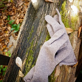 Johnstons - CASHMERE BUTTON LOOP GLOVES