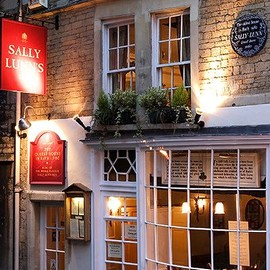 Sally Lunns Restaurant is the oldest house in Bath, England dating from 1440.
